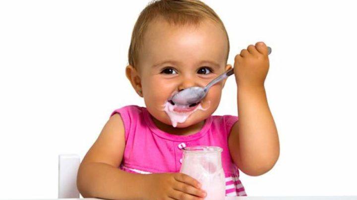 Сладкий йогурт вредит зубам