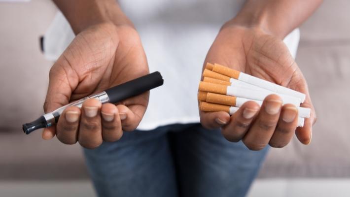Что безопаснее курить - обычные сигареты или электронные сигареты?